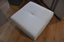 JOPP Caya Design Warszawa Studio Komfort puf z pojemnikiem EKO-Skóra Biała VIENNA 1 od FARGOTEX góra