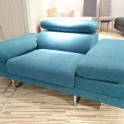 BRUNO fotel CAYA DESIGN Warszawa Studio Komfort Tkanina MYSTIC 37 AQUACLEAN złożone podłokietniki i podgłówek