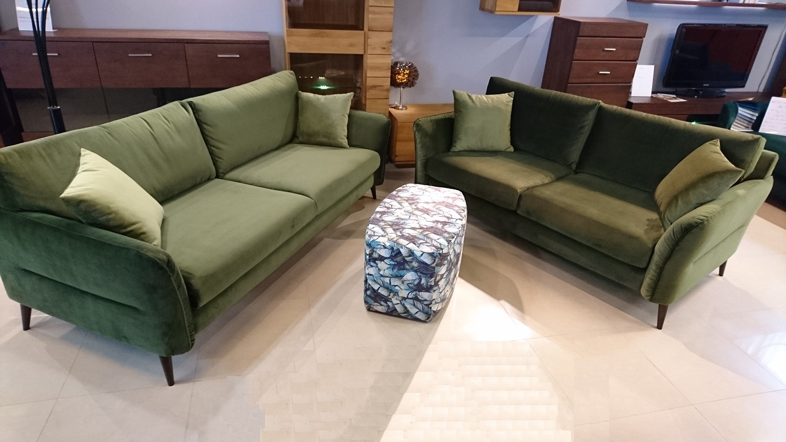 NORTON EMMOHL Warszawa Meble STUDIO KOMFORT sofa 3 i sofa 2,5 tkanina welur zielony DOLCE 08