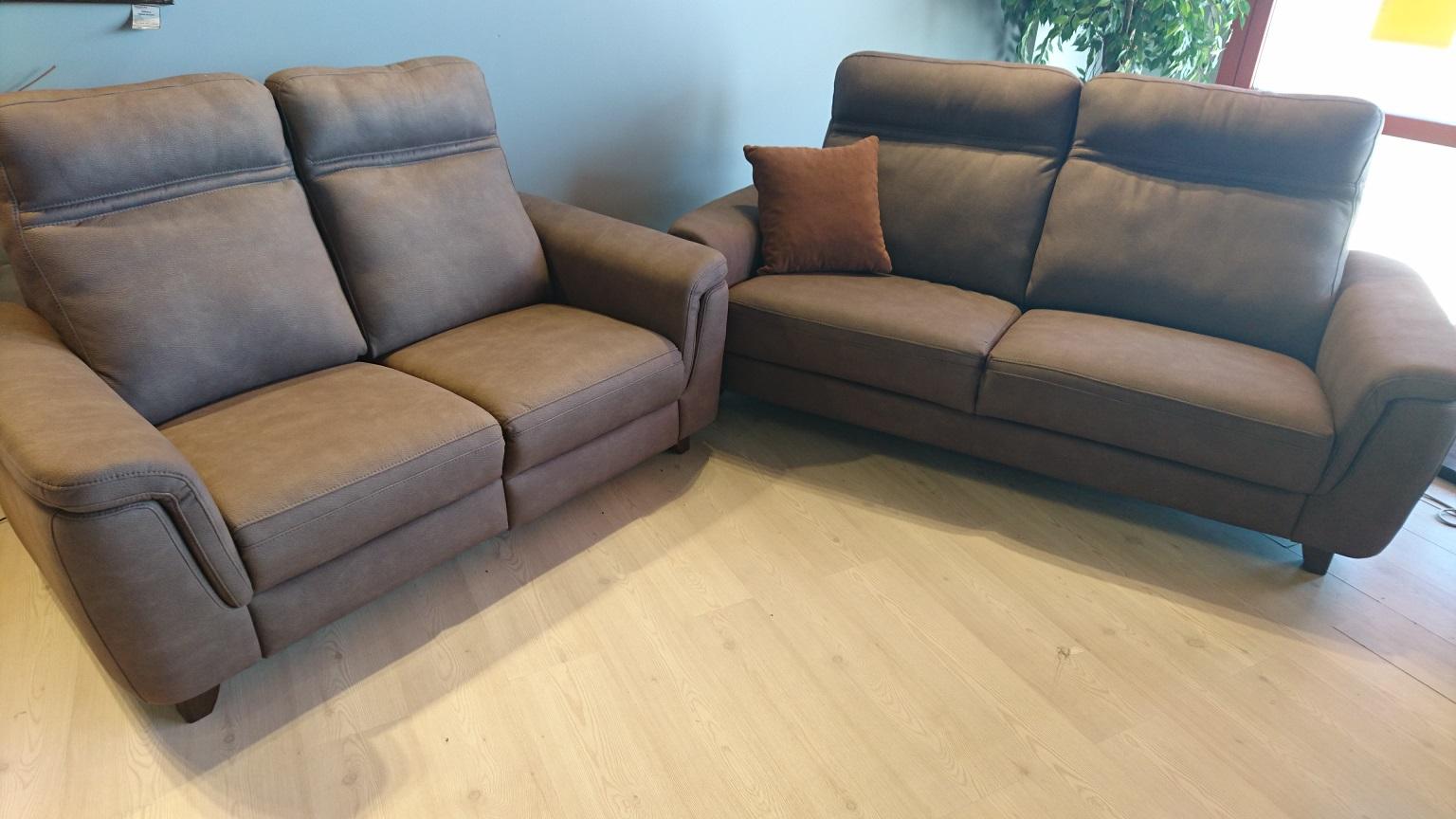 ELZA EMMOHL Warszawa Meble STUDIO KOMFORT sofa 2 z relaksem + sofa 3 tkanina DAKOTA 3 brąz zestaw sof